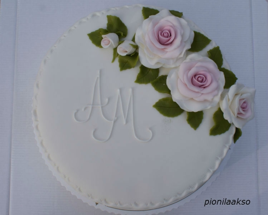 Small Wedding Cake With Roses on Cake Central