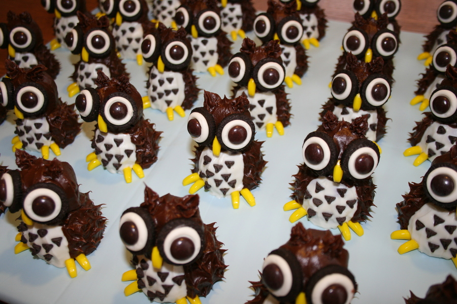 Whooo's Up For Cake?! on Cake Central