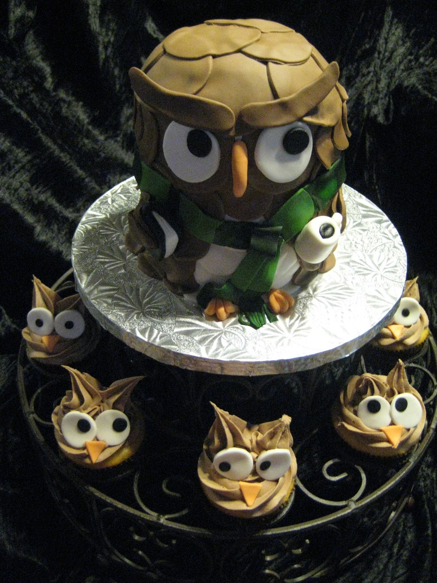 Teacher Owl And Students on Cake Central