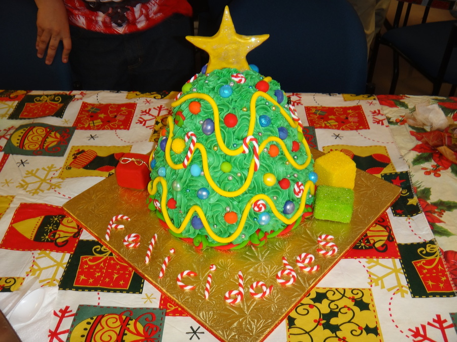 X-Mas Tree  on Cake Central