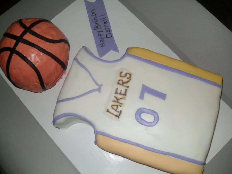 Lakers Cake  on Cake Central