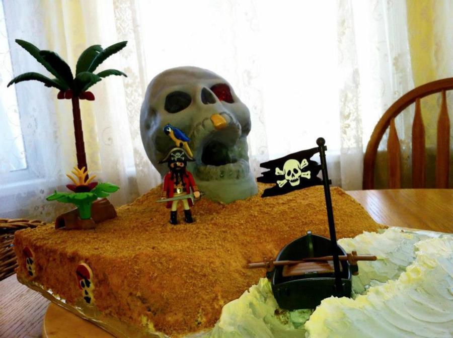 Pirate Skull Island Cake Skull Made Using Wilton 3d Skull