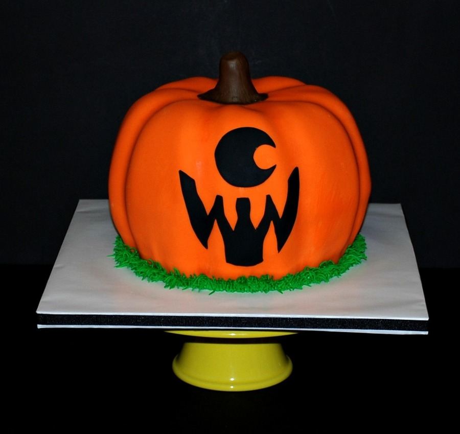 Halloween Jack-O-Lantern Cyclops Pumpkin Cake on Cake Central