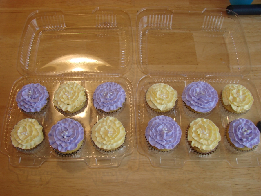 Purple and yellow flower cupcakes cakecentral purple and yellow flower cupcakes on cake central mightylinksfo