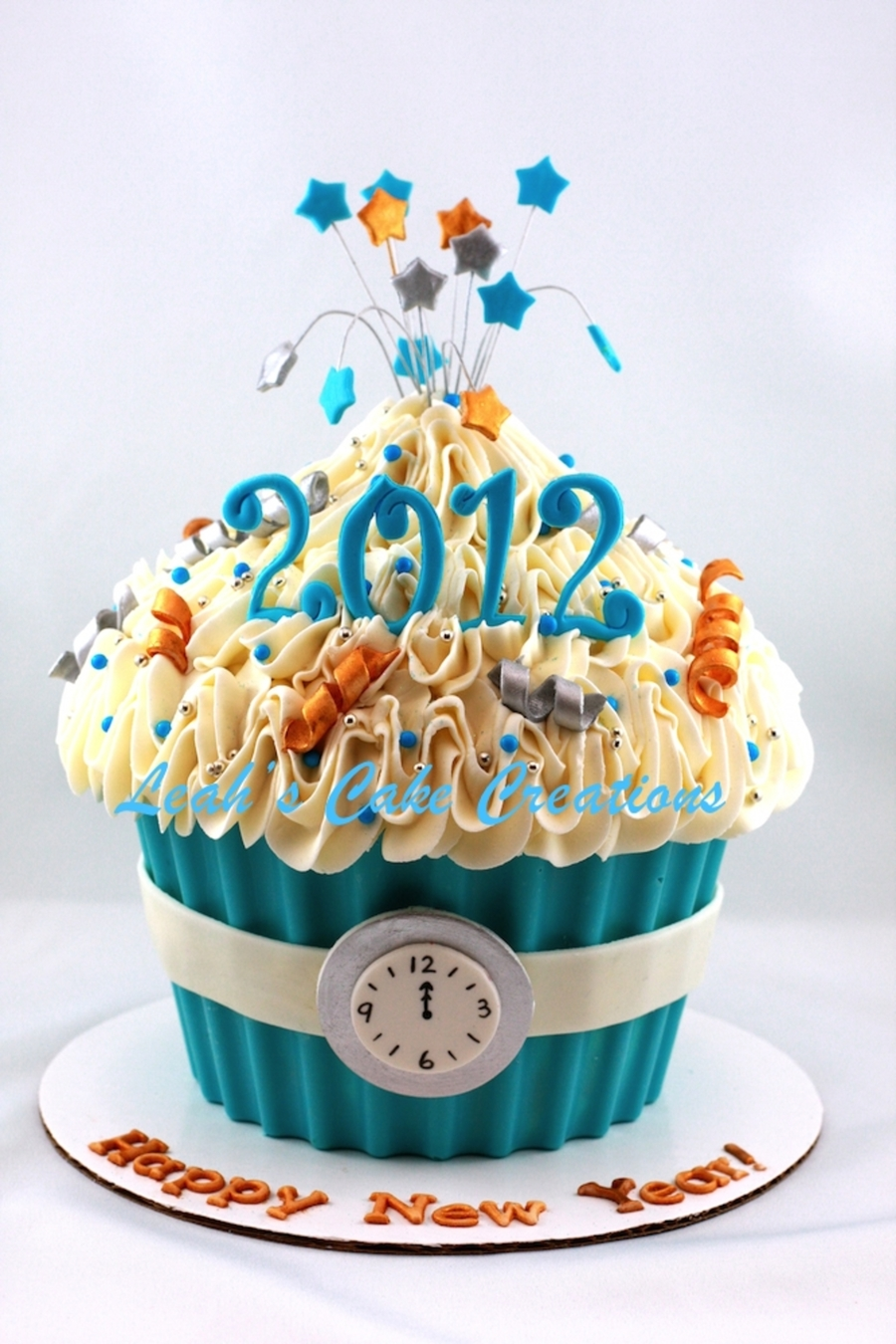 happy new year 2012 giant cupcake on cake central