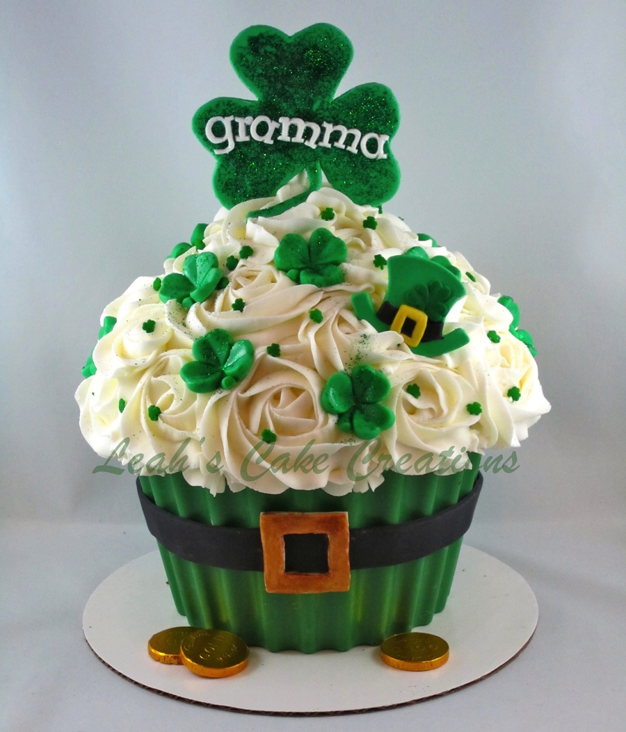 Luck O The Irish To Ya!! on Cake Central