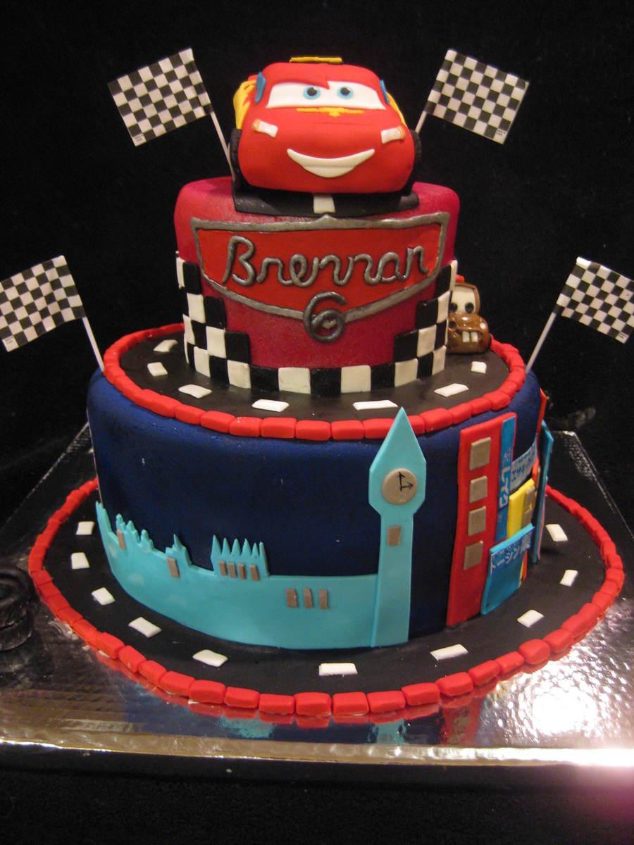 Cake With Fondant Cars : Cars 2 Cake - CakeCentral.com