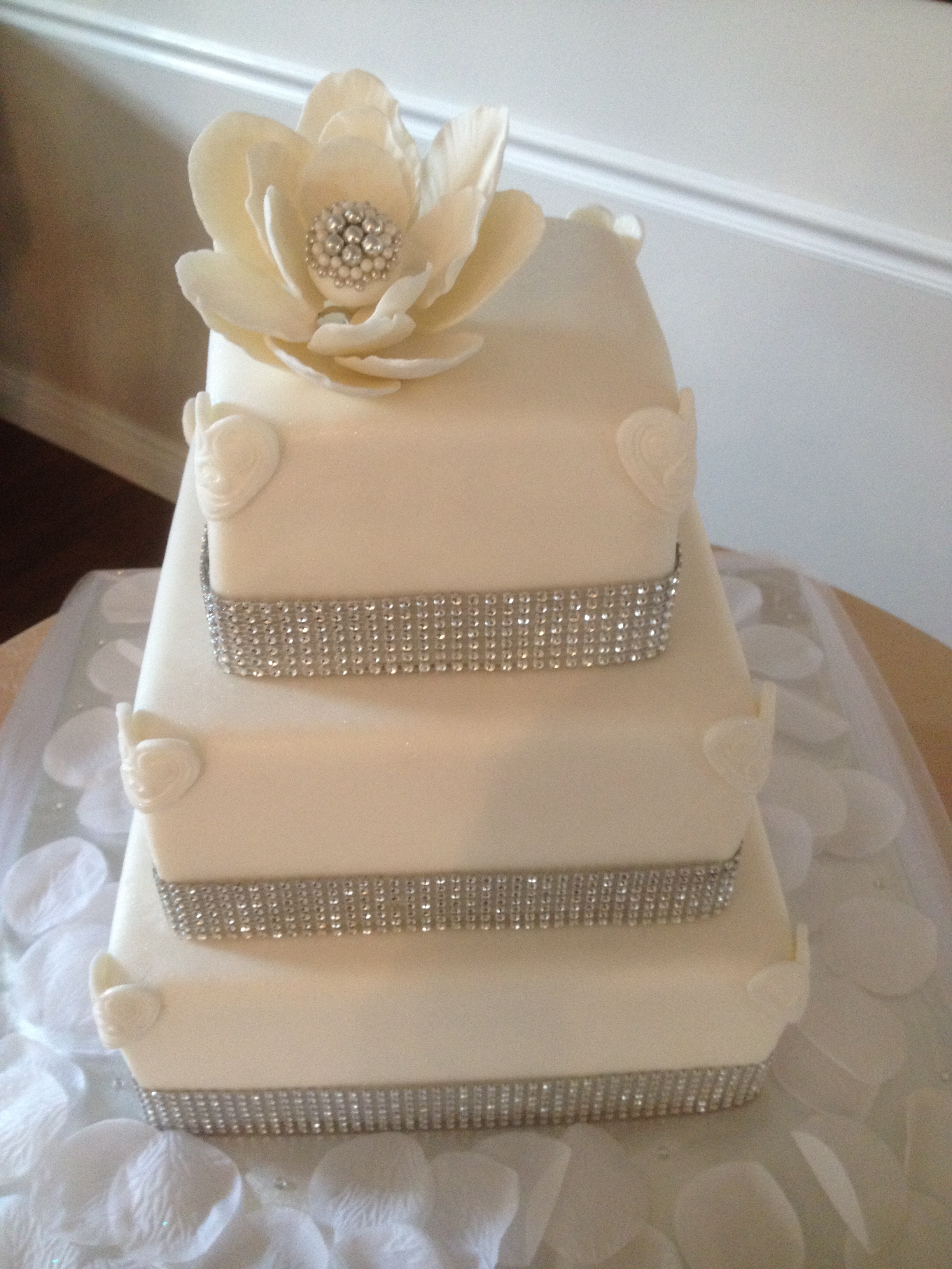 how to make a bling wedding cake stand amanda s bling wedding cake cakecentral 15792