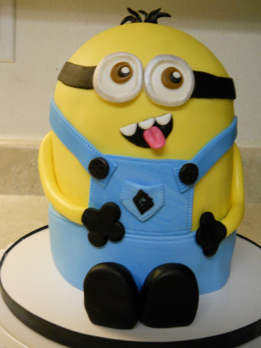 Minion For Sarah on Cake Central