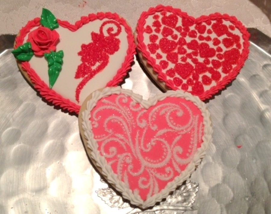 Stenciled Hearts on Cake Central