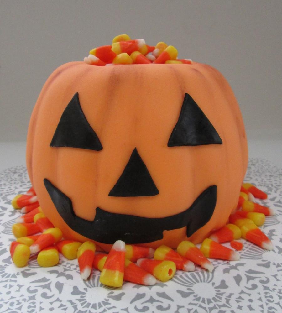 Jack O Lantern Pumpkin Cake