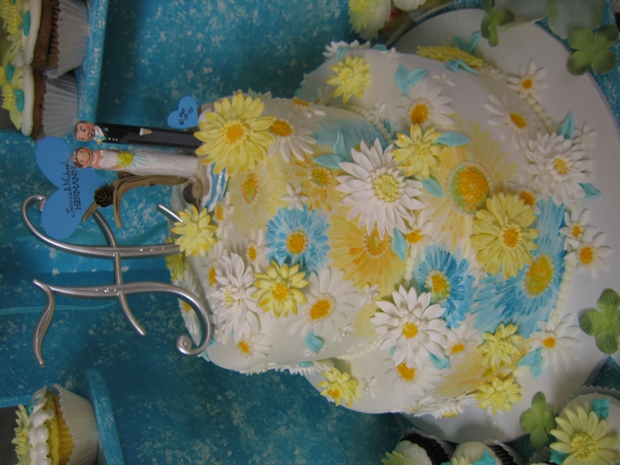 Blue And Yellow Daisy Cake on Cake Central