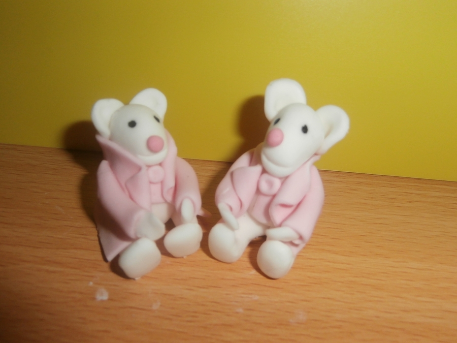 Sugar Paste Mice on Cake Central