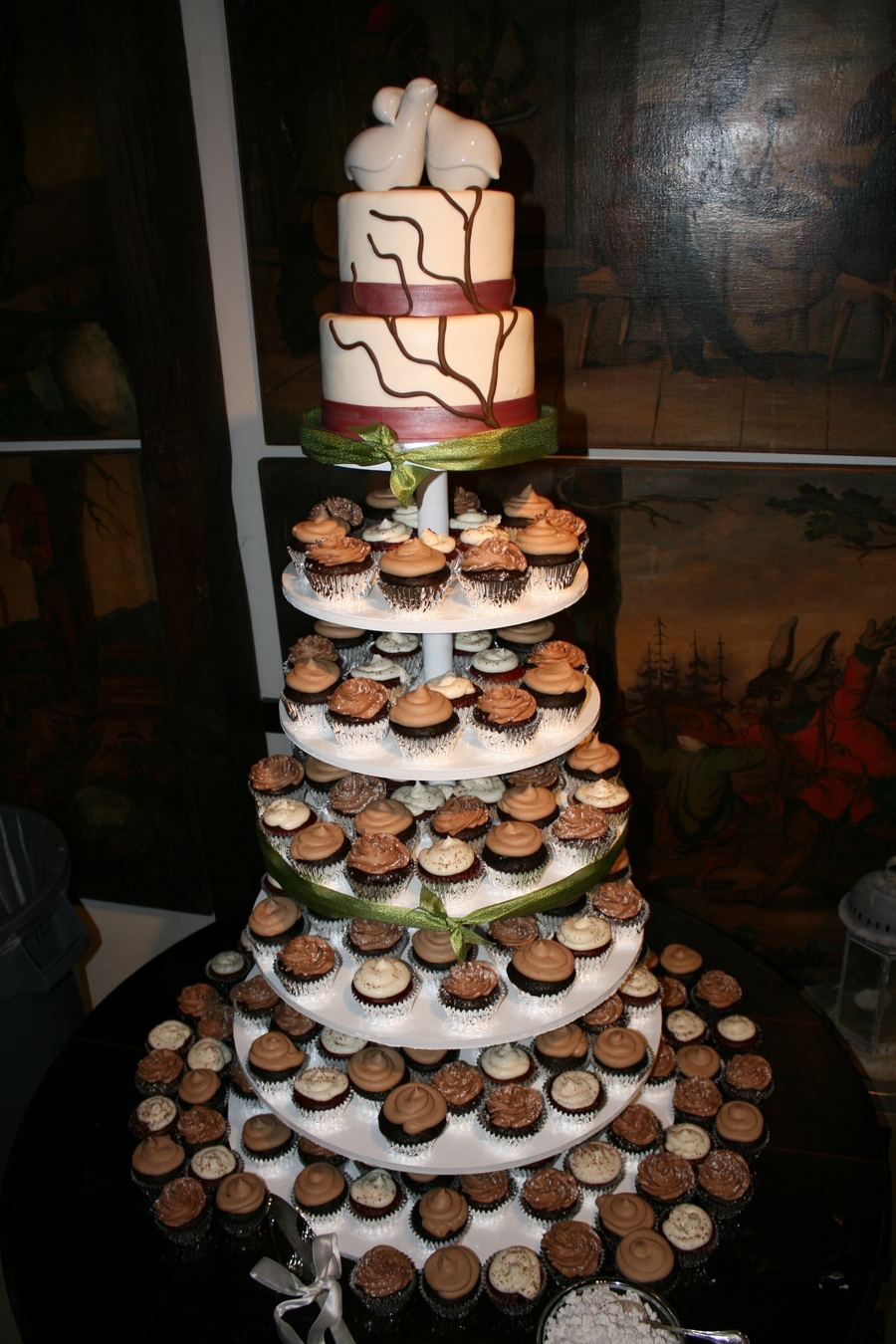 Harmon Wedding Cake And Cupcakes On Central