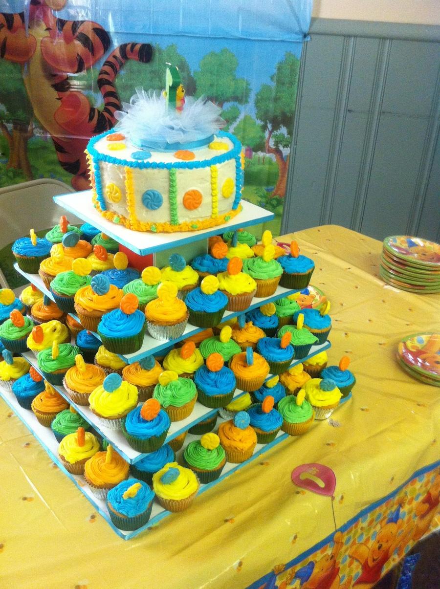 Winnie The Pooh Cake N Cupcakes