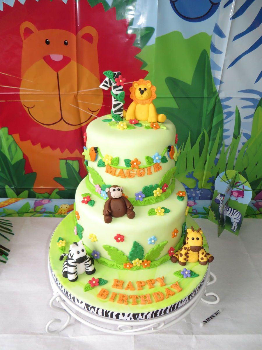 I Made This Cake For My Granddaughters First Birthday The