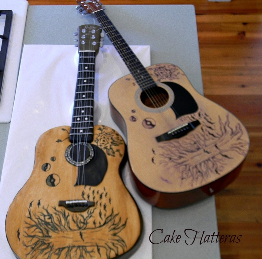 Graduation Guitar  on Cake Central