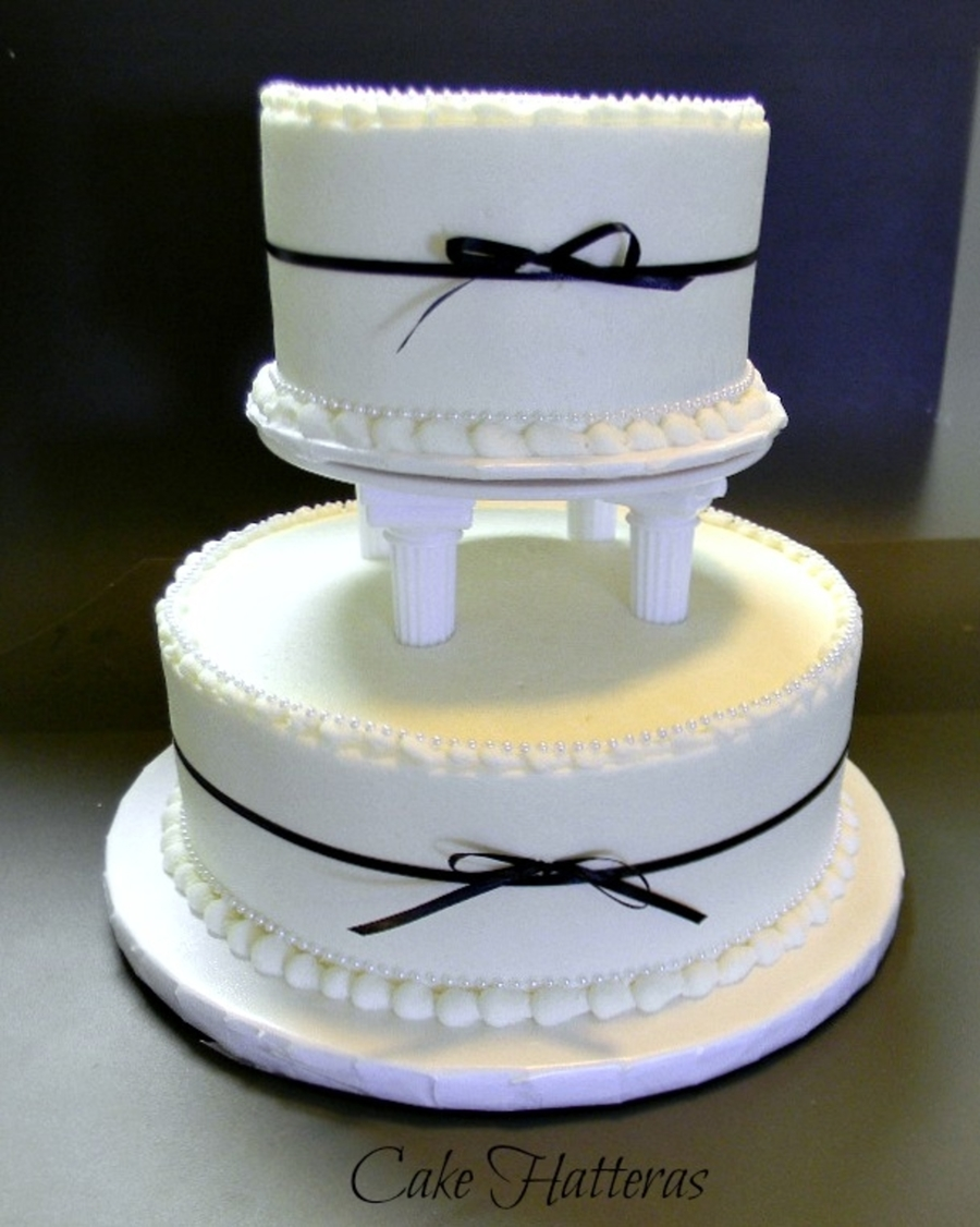 Black Tie And Pearls on Cake Central