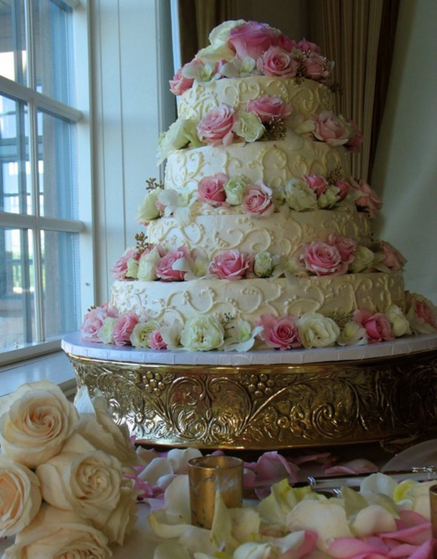 Mary's Romantic Wedding Cake on Cake Central