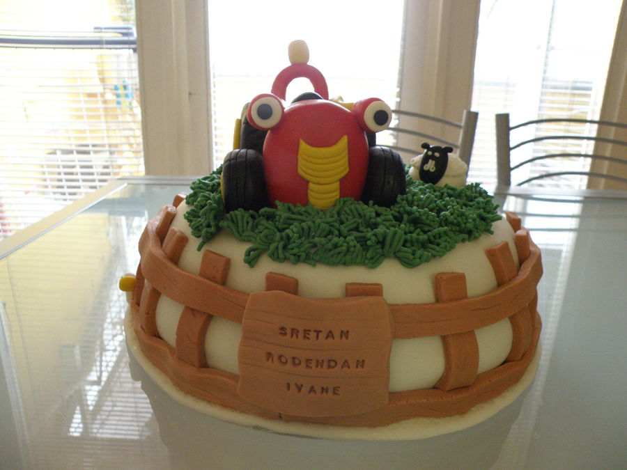 Tractor Tom on Cake Central