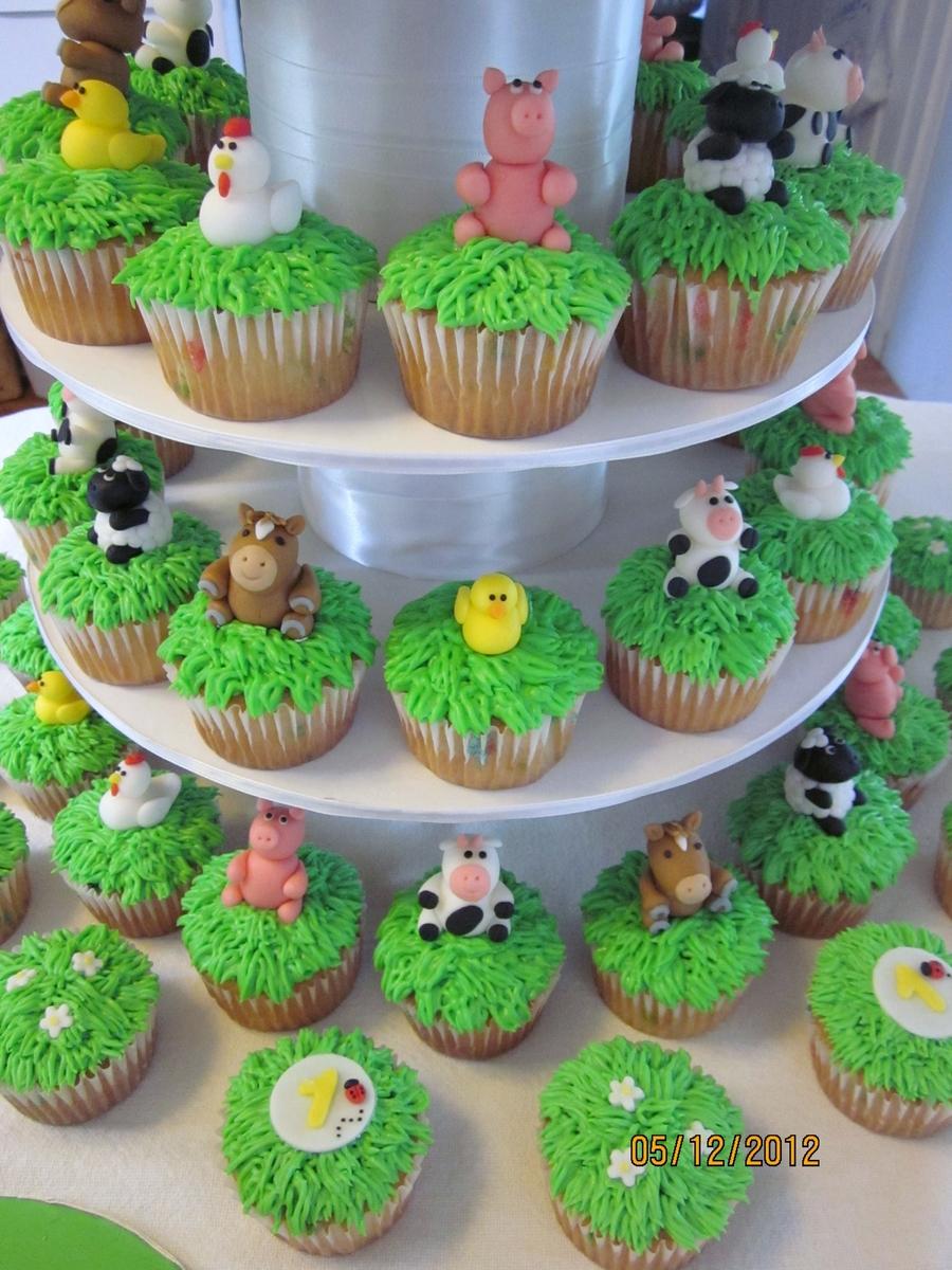 1st Birthday Farm Cake Cakecentral Com