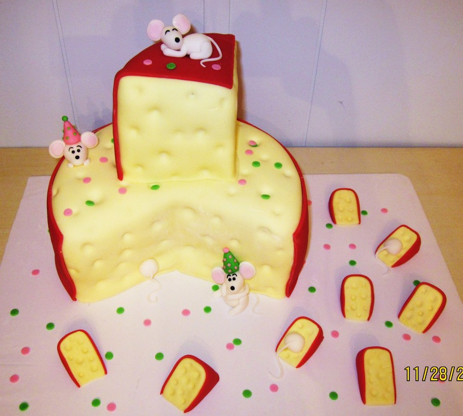 Granny's Mousie Cake on Cake Central