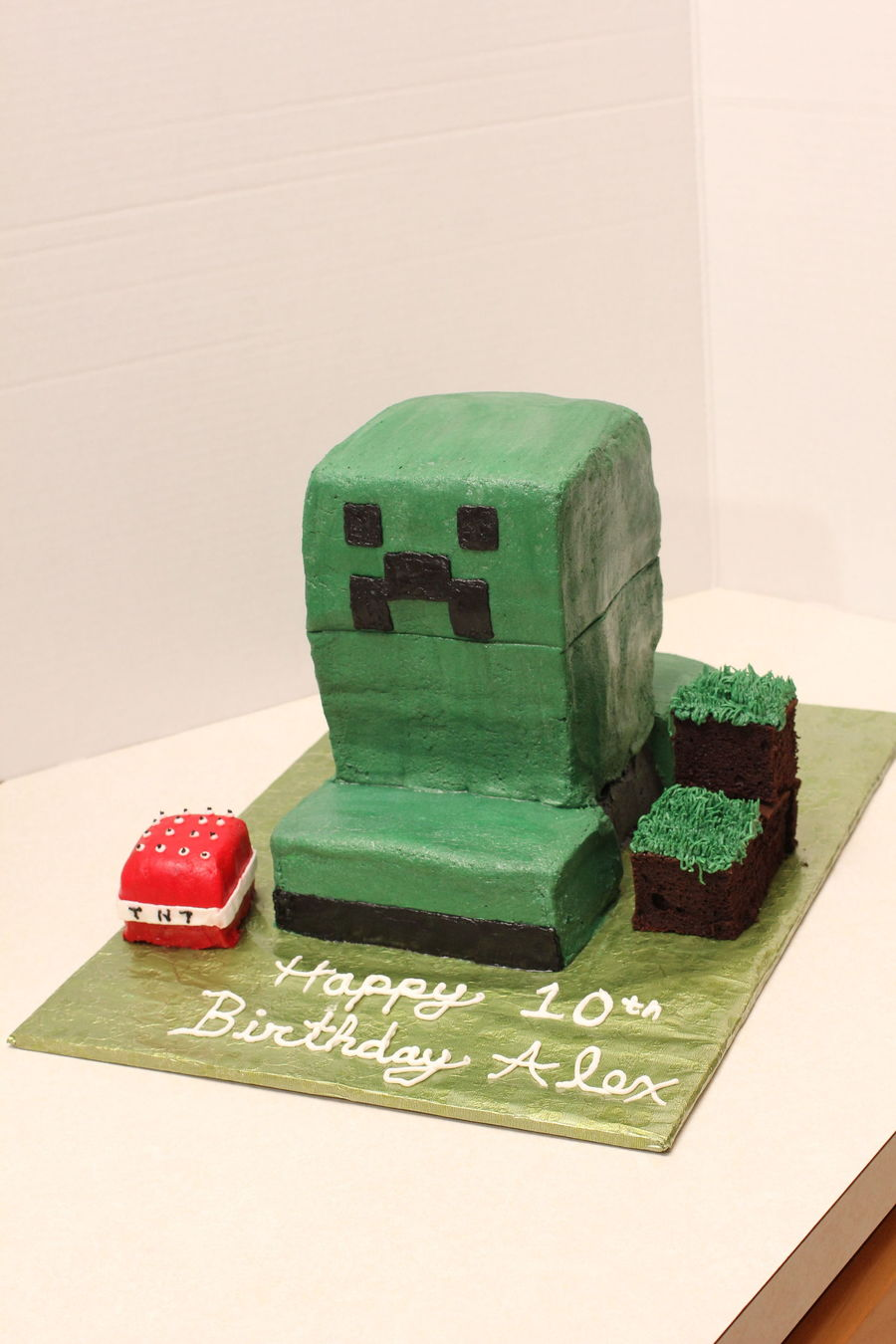 Pleasant Minecraft Creeper Birthday Cake Cakecentral Com Personalised Birthday Cards Paralily Jamesorg