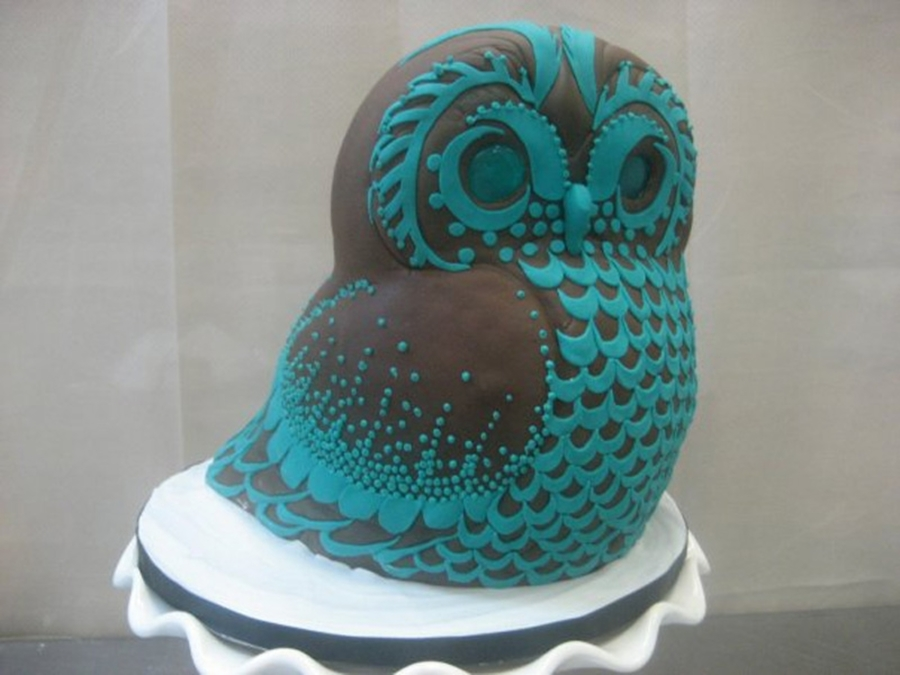 Stylized Owl on Cake Central