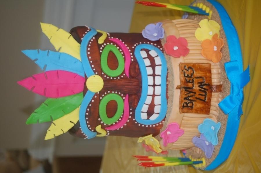 Pleasing Baylees Tiki Birthday Cake Cakecentral Com Funny Birthday Cards Online Elaedamsfinfo