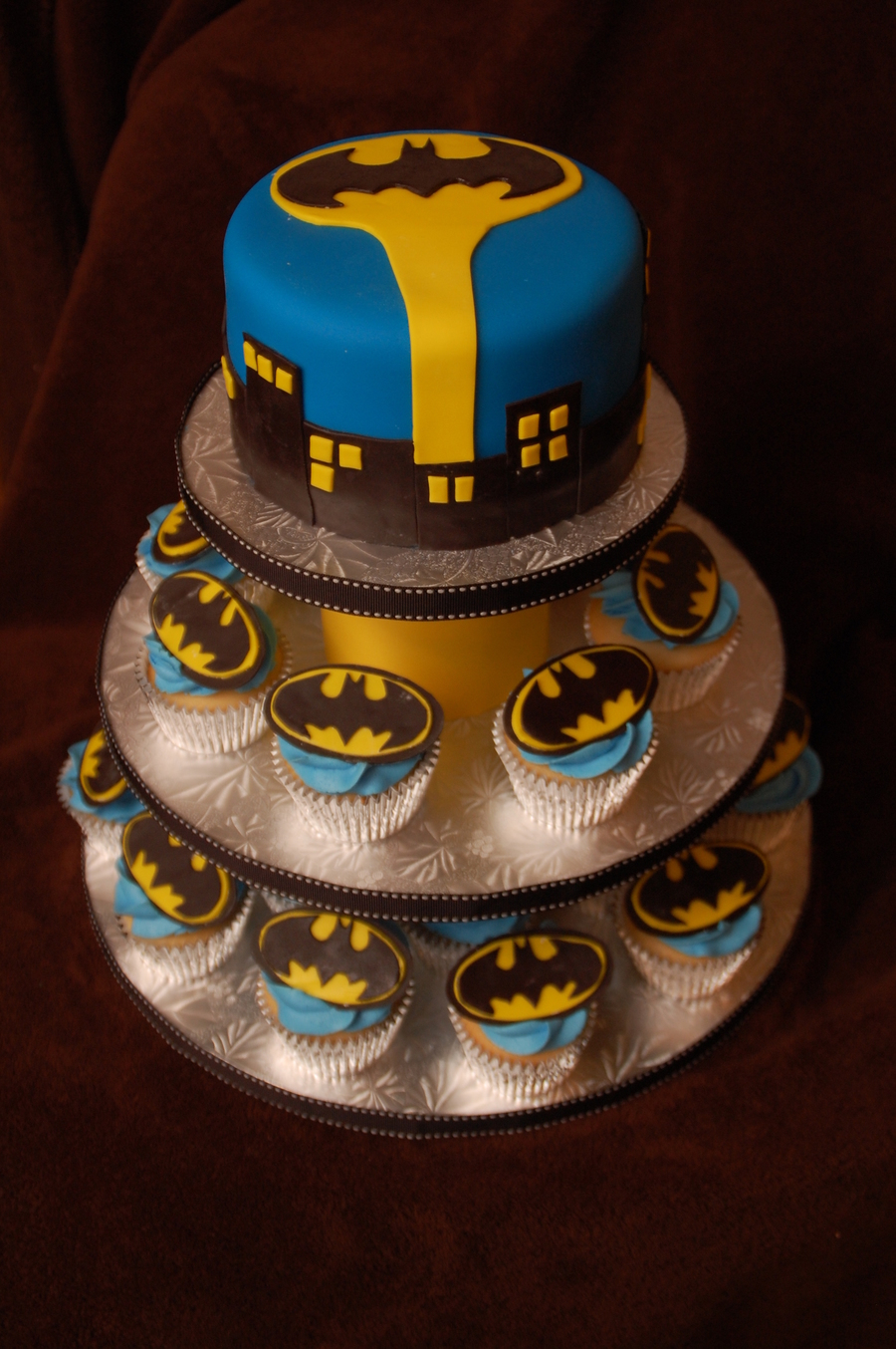 Batman Cupcake Tower Cakecentral Com