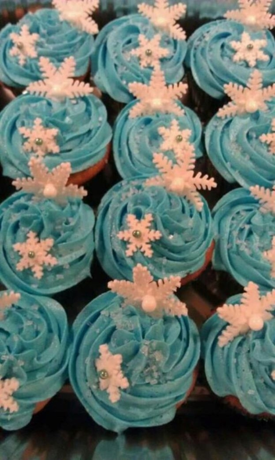 Snowflake Cupcakes on Cake Central