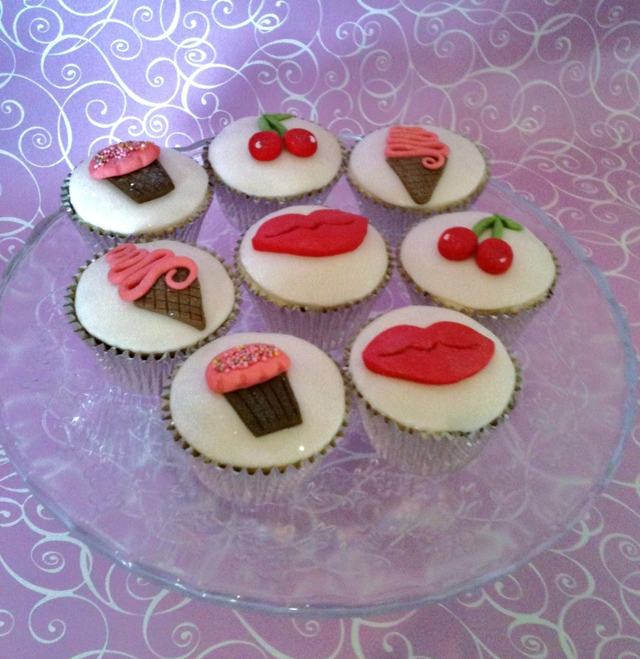 Retro Fun Cupcakes! on Cake Central