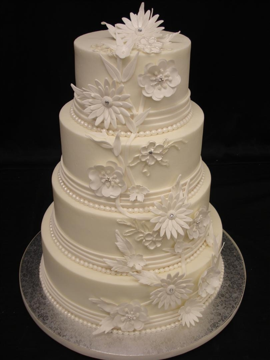 Pleats & Flowers  on Cake Central
