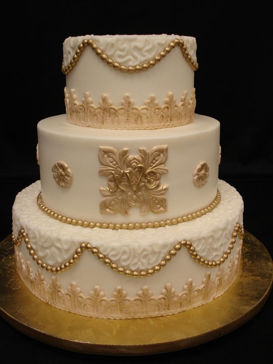 Gold Fun on Cake Central