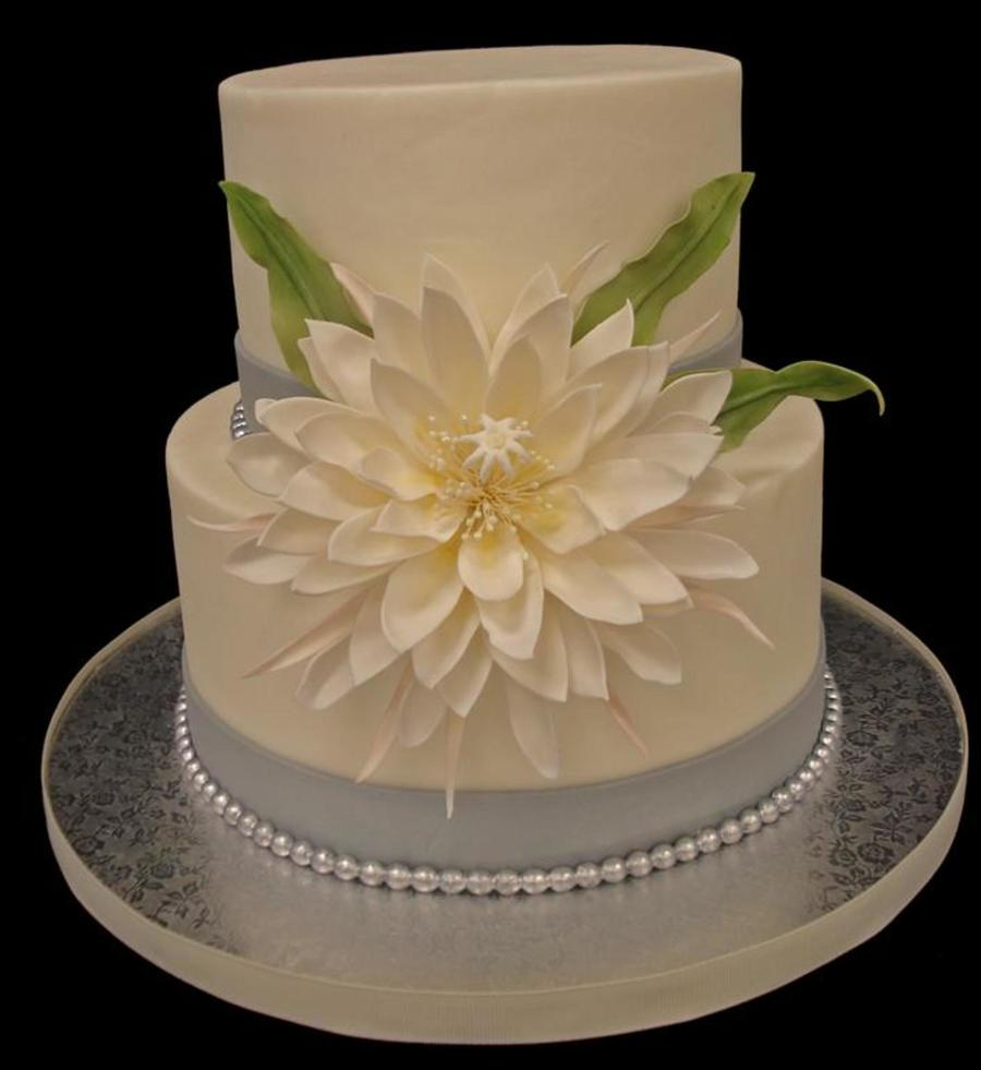 Gumpaste Flowers For Wedding Cakes: Cestrum Nocturnum Dama De Noche In All Its Sugar Glory
