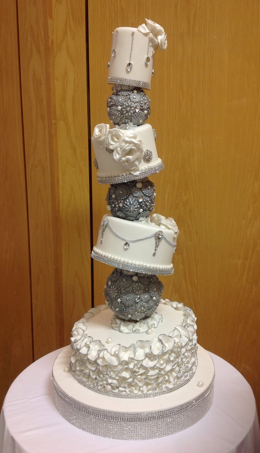 gold bling for wedding cakes topsy turvy wedding cake cakecentral 14746