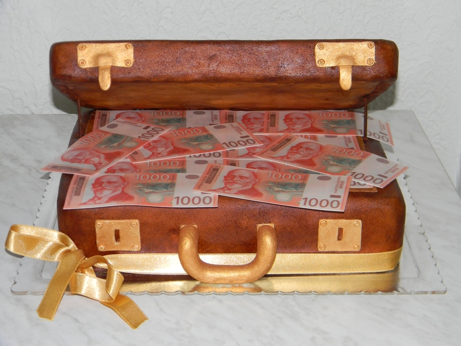 Money Suitcase  on Cake Central
