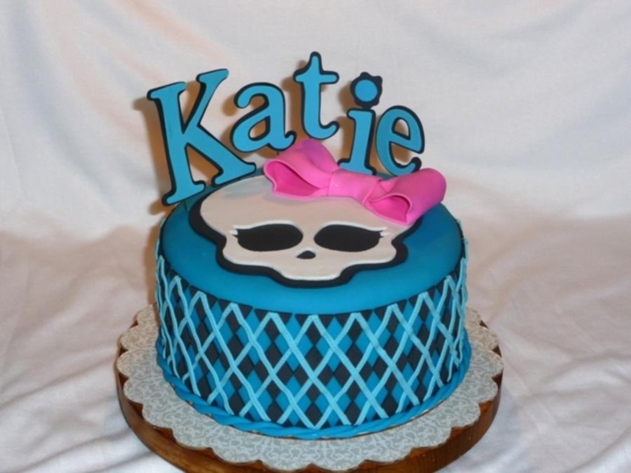 Monster High Birthday Cake CakeCentralcom