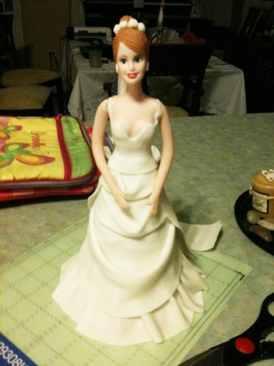 Novia En Azucar - Gumpaste Bride Gown on Cake Central