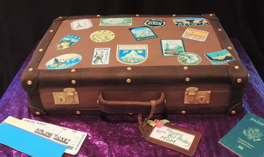 Suitcase Cake Cakecentral Com