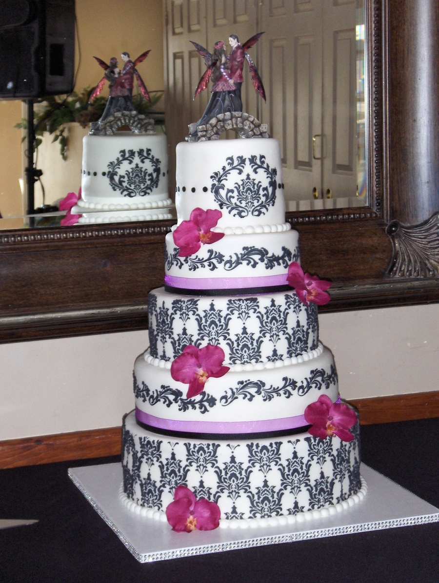 Five Tier Damask on Cake Central