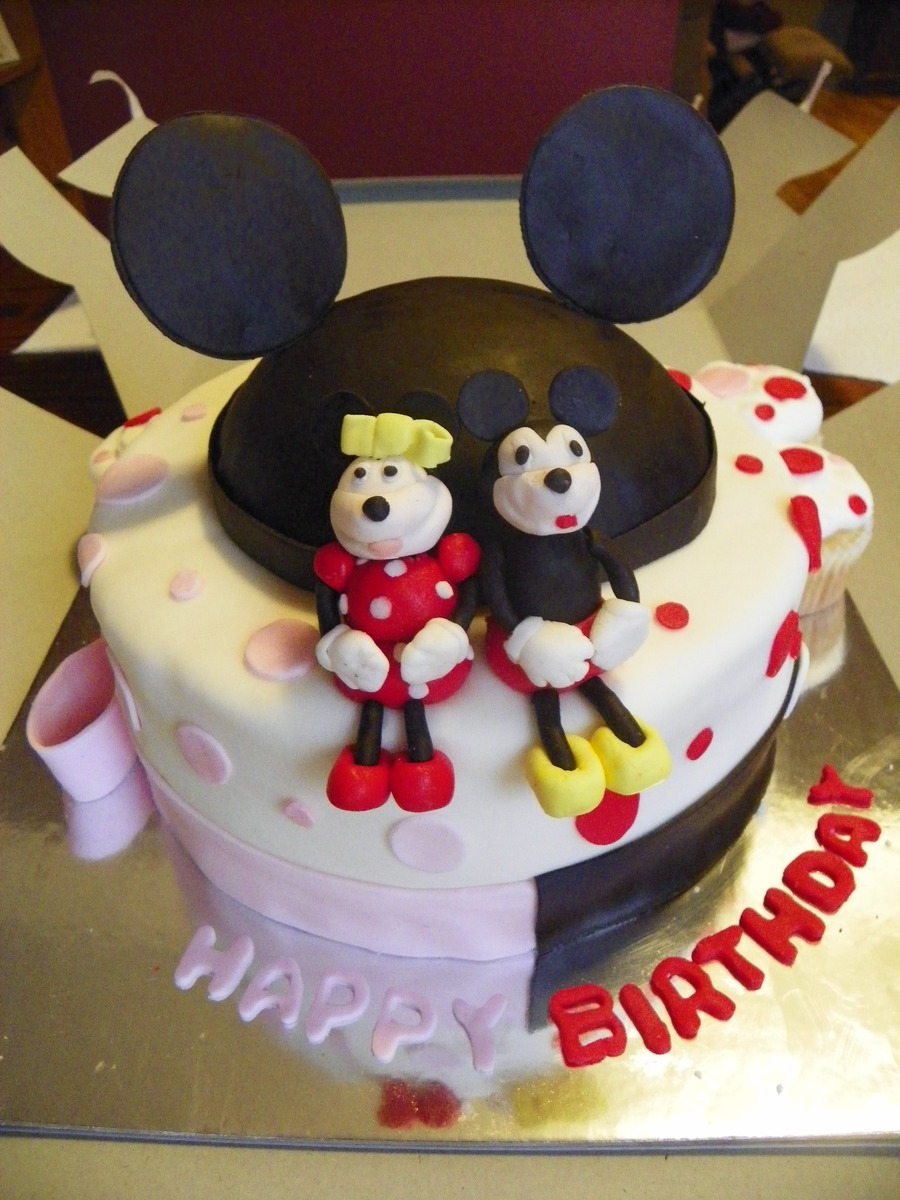 Minnie And Mickey Cake on Cake Central