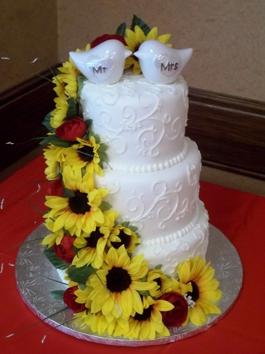 wedding cakes with sunflowers and roses sunflowers amp roses wedding cake cakecentral 26125