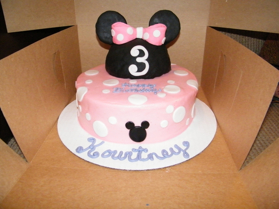 Minnie Mouse Bow Cake on Cake Central