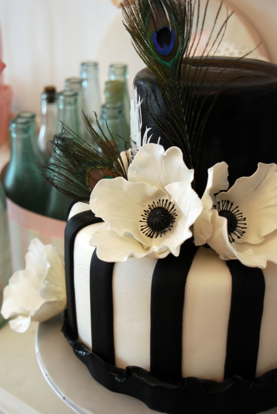 Black And White Peacock Cakecentral Com