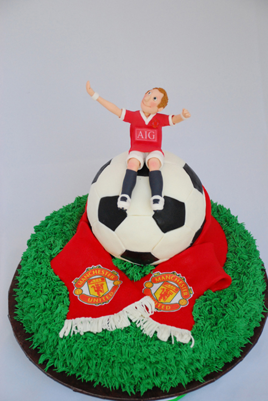 Groom S Soccer Ball Manchester United Cake Cakecentral Com