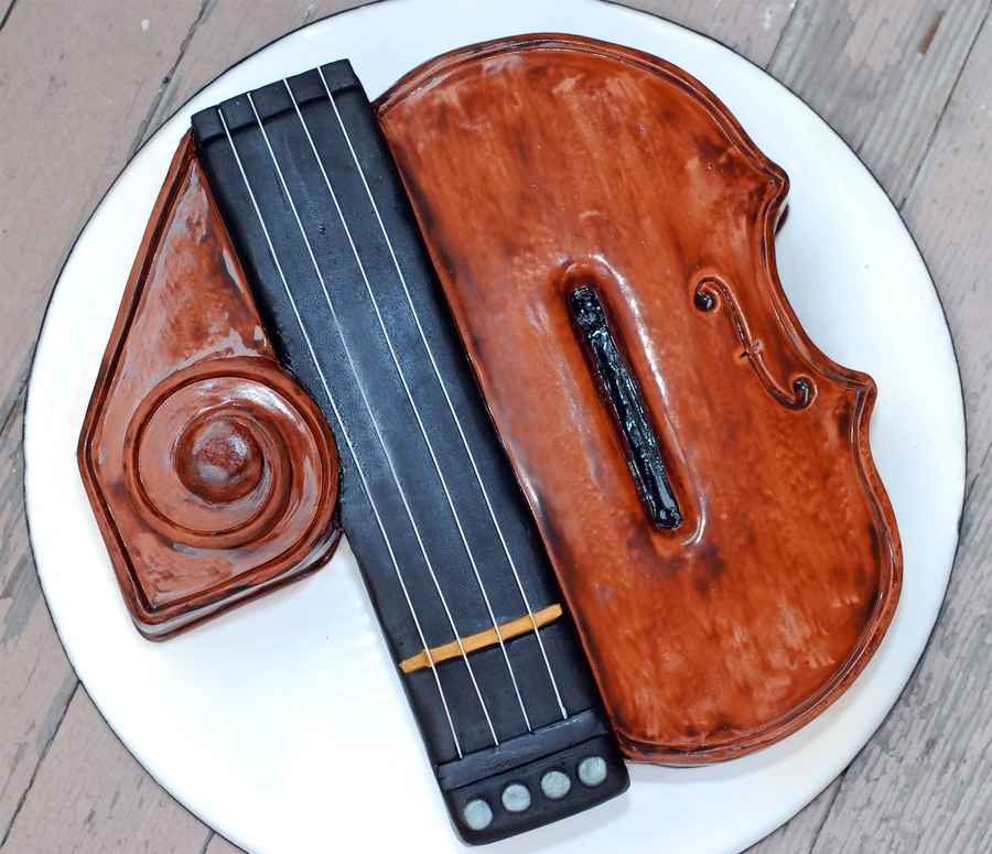 Quot 40 Quot Th Birthday Violin Cake Cakecentral Com