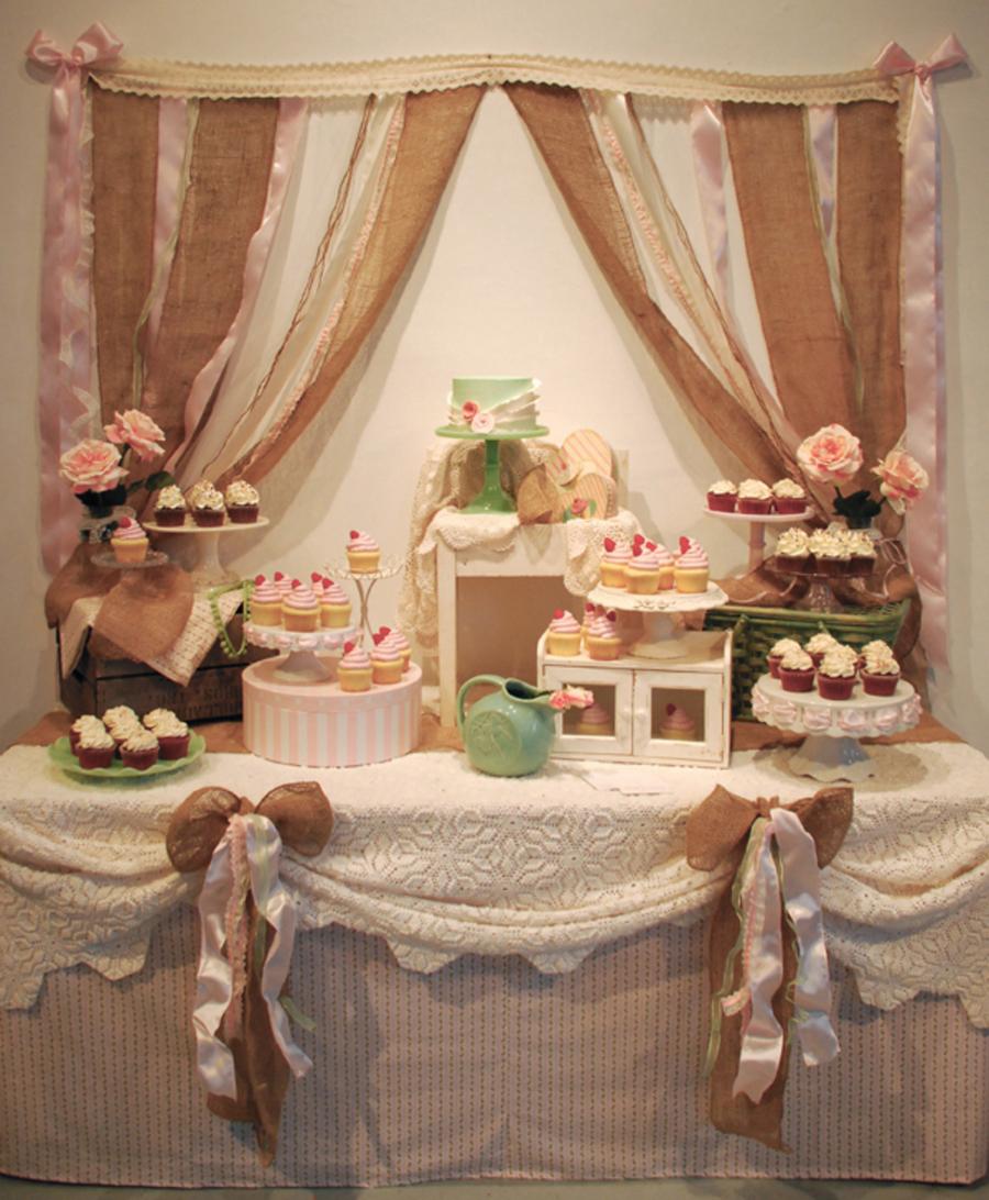 Rustic Wedding Cake: Shabby Chic & Rustic Wedding Cupcake Dessert Table