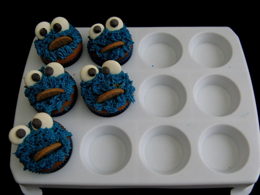 Cookie Monsters  on Cake Central