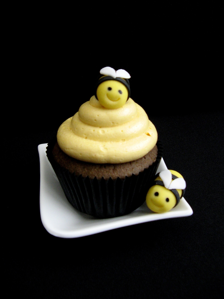 Bee Cupcakes Cakecentral Com